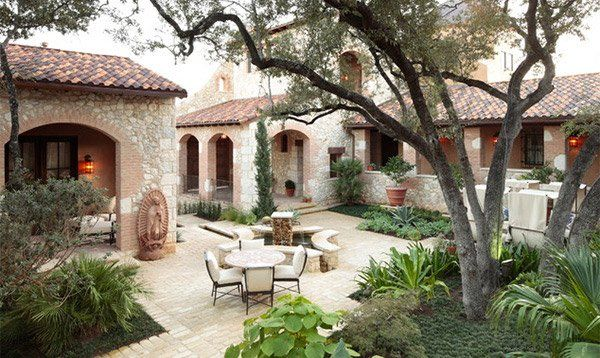 hibiscus courtyard garden ideas | 15 Traditional Courtyard Gardens | Home Design...