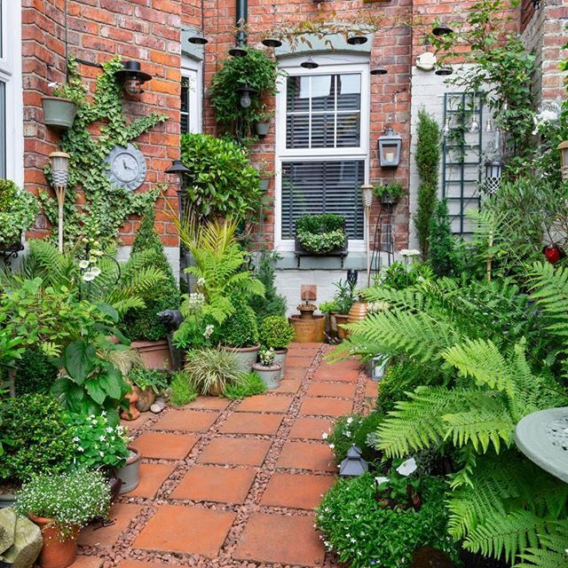 Your winner for our People's Choice is Richard Small with his courtyard gard...