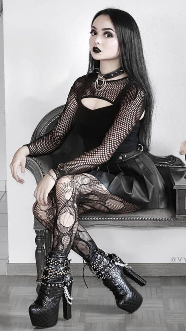 #goth #gothic #skirt #hair #boots #pantyhose