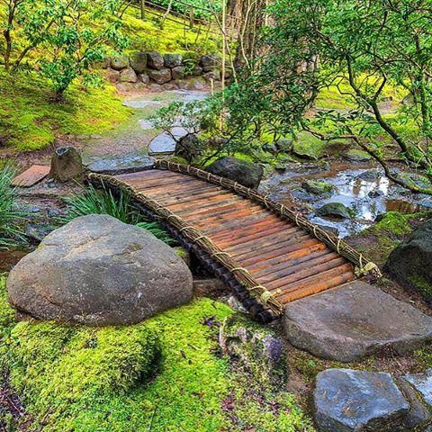 Bamboo footbridge at Portland Japanese Garden More #japanesegardening