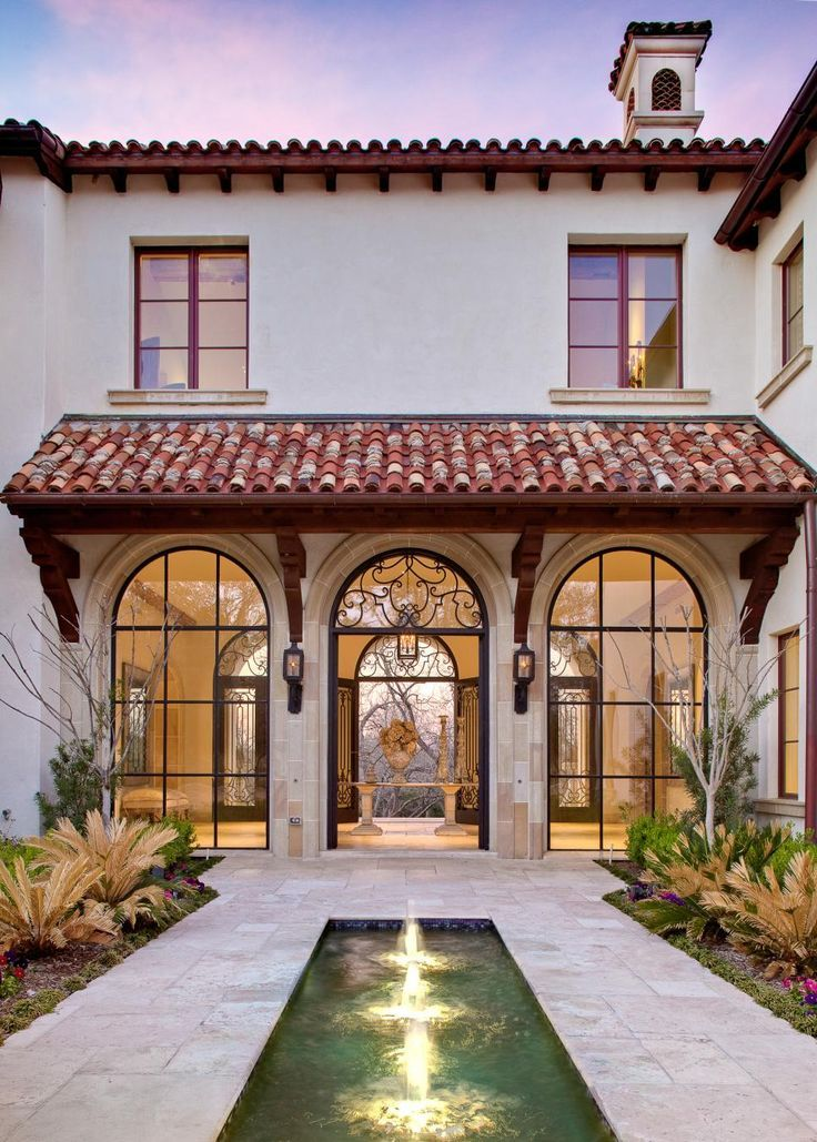 15 Innovative Designs for Courtyard Gardens - #Courtyard #Designs #Gardens #hgtv...