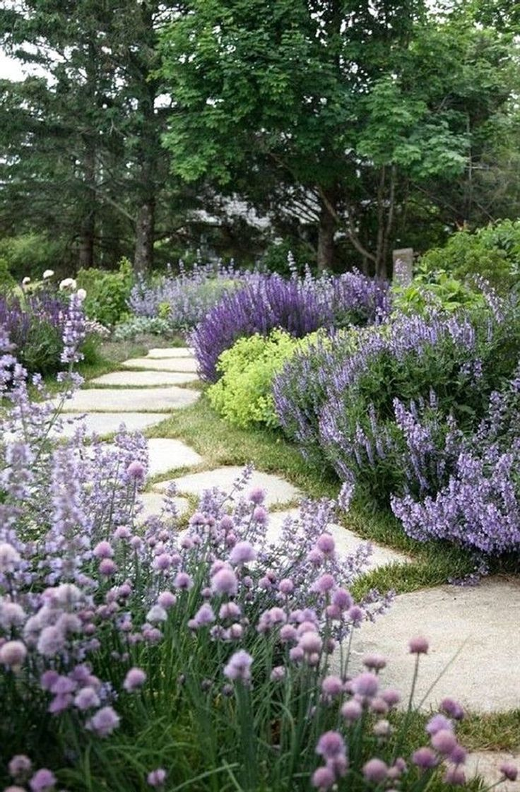 39 Comfy Flower Garden Design Ideas - Home is where your heart is... - #Comfy #D...