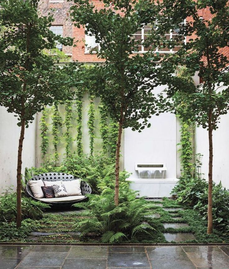 Small courtyard garden with seating area design and layout 34 - Rockindeco