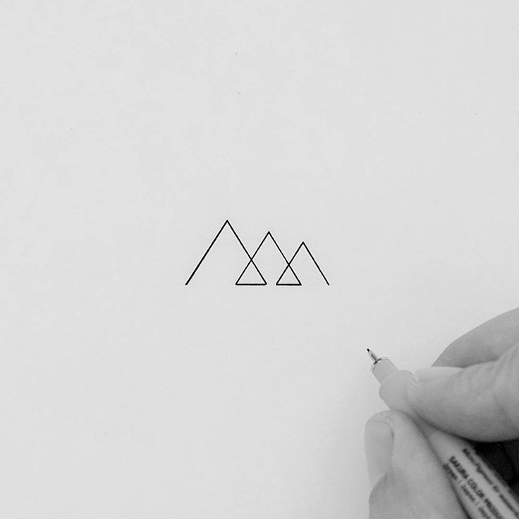 Super minimal and tiny mountains made in one single stroke. I'll maybe get it as...