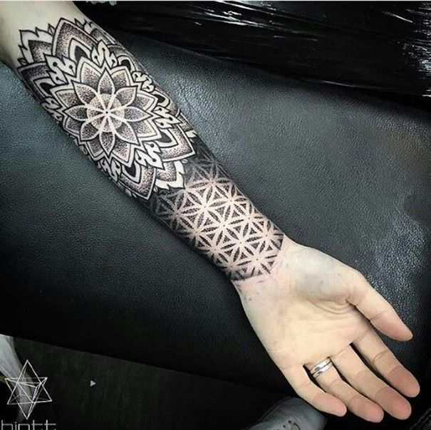 Top 30 Dotwork Tattoos für 2018 #dotwork #tatto #tattoofrauen #tattoohandgelenk...