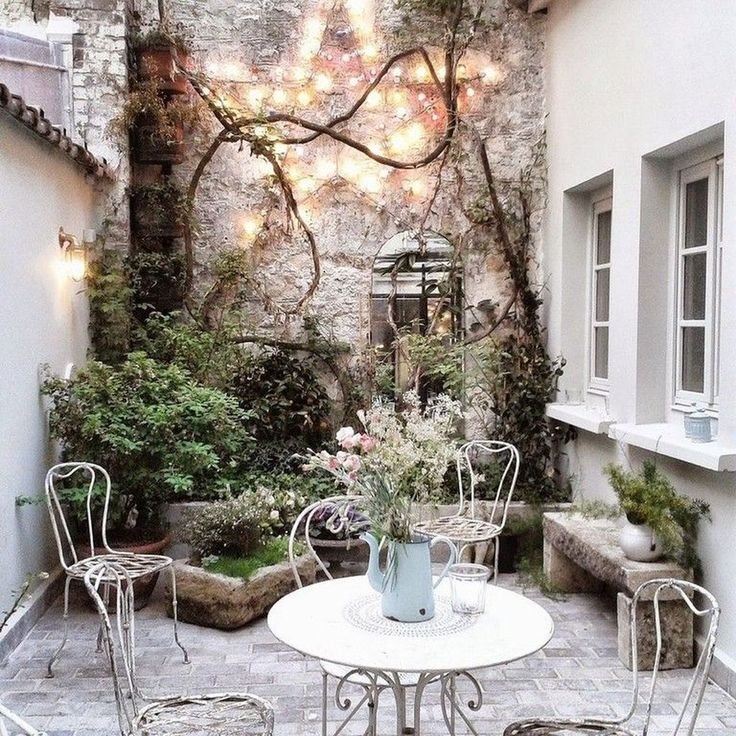 Stunning 47 Lovely Small Courtyard Garden Design Ideas For Home.