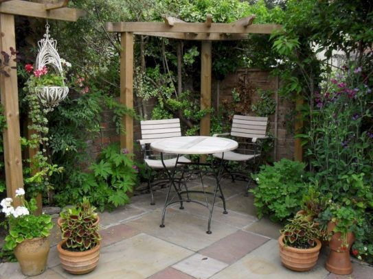 Latest Small Courtyard Garden Design Ideas For Your House 41