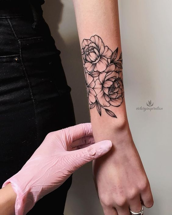Tattoo ideasTattoo designTattoo art flower tattoo. #flowertattoos