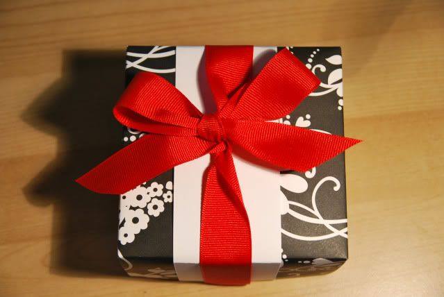 Creativity*Scattered: Gift Wrapping Ideas #1: Origami Boxes