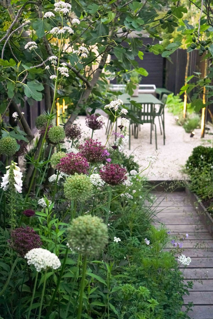 Before & After: A Seaside English Garden by Farlam & Chandler - Gardenista #smal...