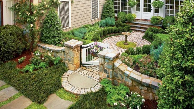 Beautiful courtyard garden design ideas 15 - GODIYGO.COM