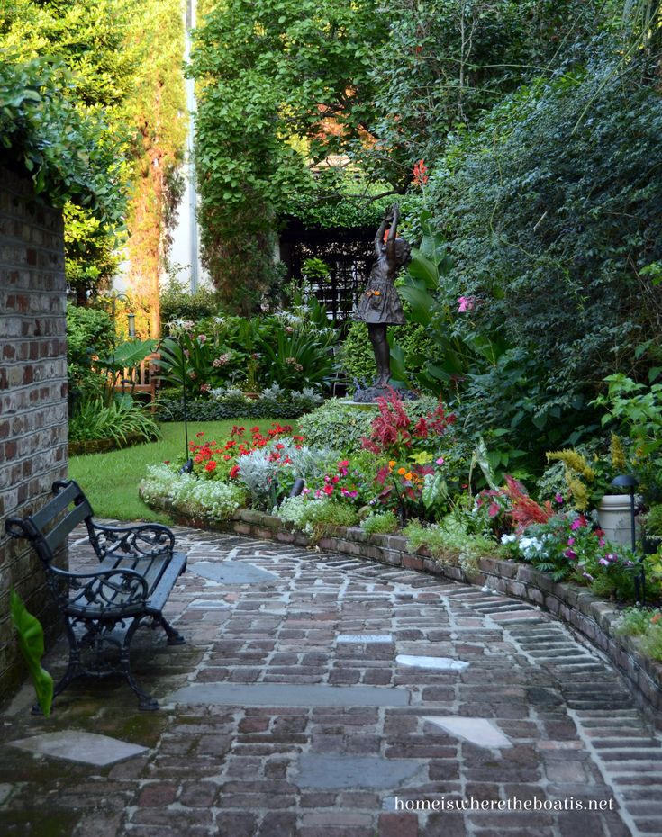 Courtyard Garden, Historic Charleston, South Carolina | homeiswheretheboa...